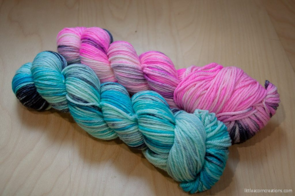 Oink Pigments Dapper skeins in Cloud Surfing and Cotton Candy Clouds